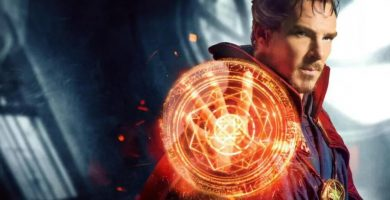 El actor Benedict Cumberbatch interpretando al Doctor Strange